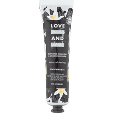 Love Beauty & Planet Activated Charcoal & Orange Blossom Detox Whitening Tandpasta
